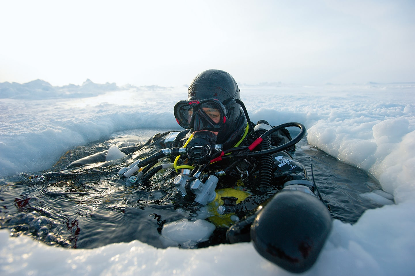 One year-old Kayak rapidly became known as the ninth member of the team. While his official assignment was to warn for polar bears, he soon became indispensable on an emotional level as well. Team member Emmanuelle Périé developed a special bond with him and became his primary care-taker for the duration of the expedition.